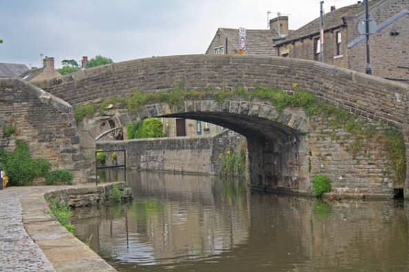 Coach Street Bridge, Skipton, UK. © J. Lynn Stapleton, 24th July 2013